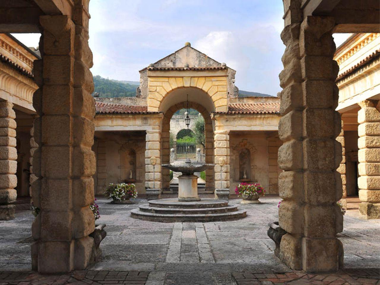 Cosa vedere in Valpolicella | Villa della Torre Fumana